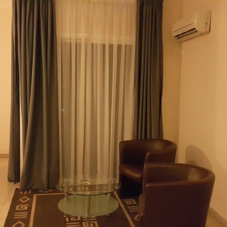 Sitting Area to balcony, Ndiambour Hotel