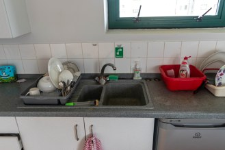 sink and plate rack