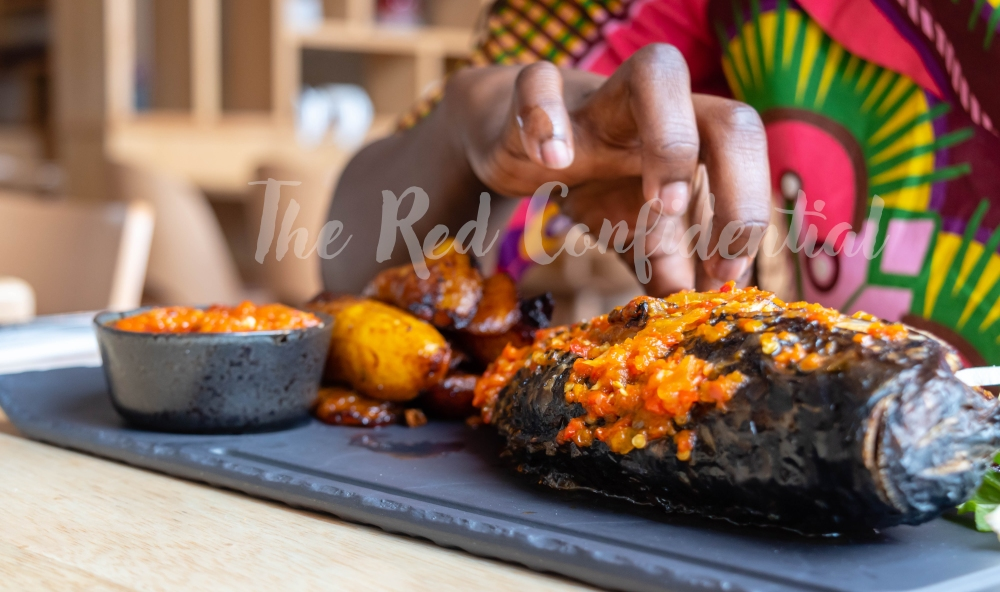 Fried slices of ripe plantain and chilli sauce